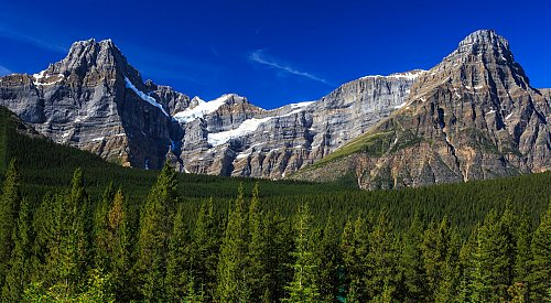 3 climbers presumed dead after avalanche in Banff National Park